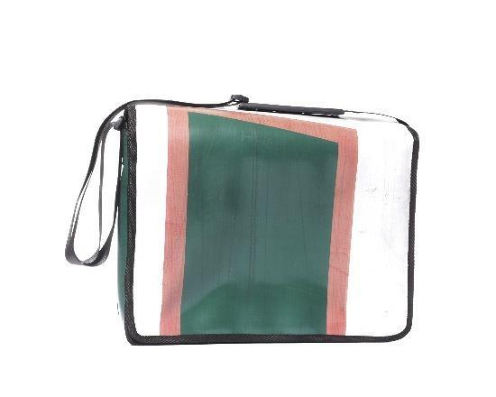 spezial taschen swissmountain handbags. Black Bedroom Furniture Sets. Home Design Ideas